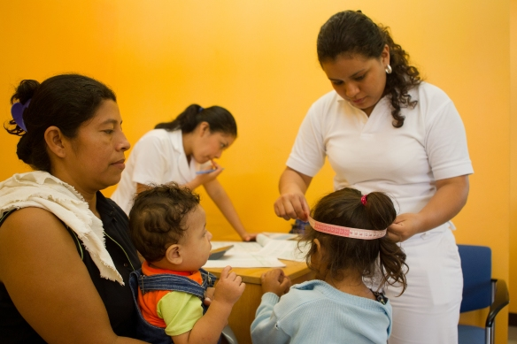 Clinica Verde in action. Mothers and children being treated with the dignity they deserve.