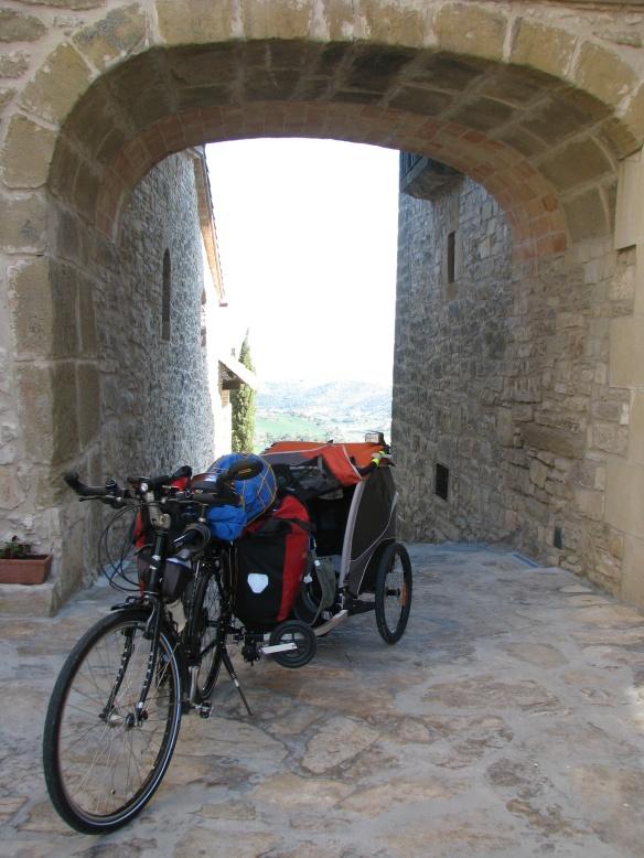 Mic's bike and el cochecito magico